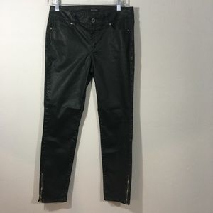 White House Black Market Skimmer Pants